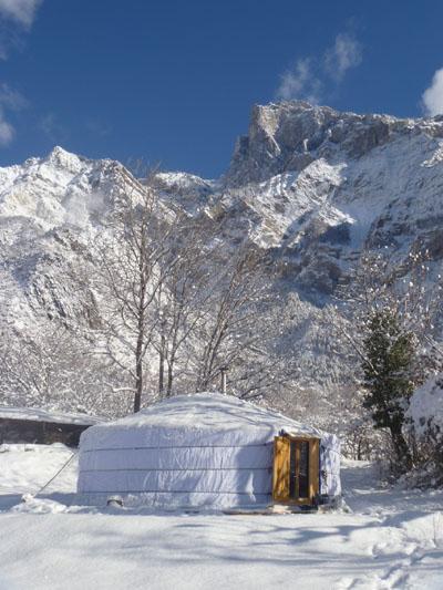 Yourte mongole neige
