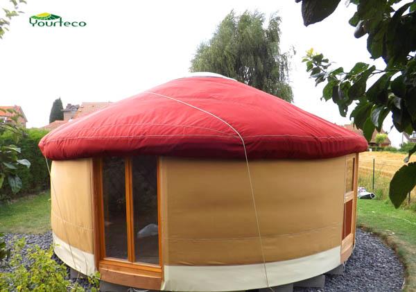 Yourte contemporaine habitation conforme Réglementation Thermique RT 2012
