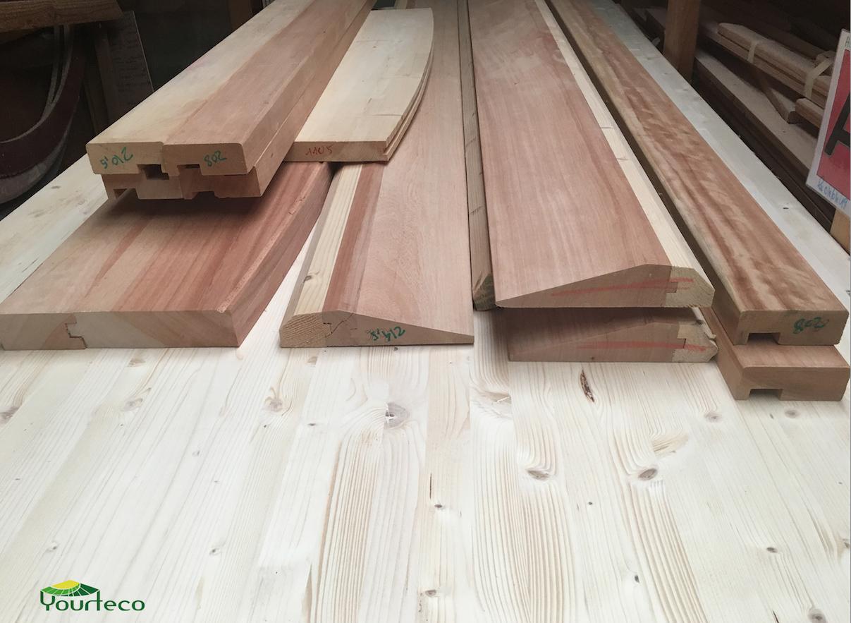 Eléments de portes en bois pour yourte
