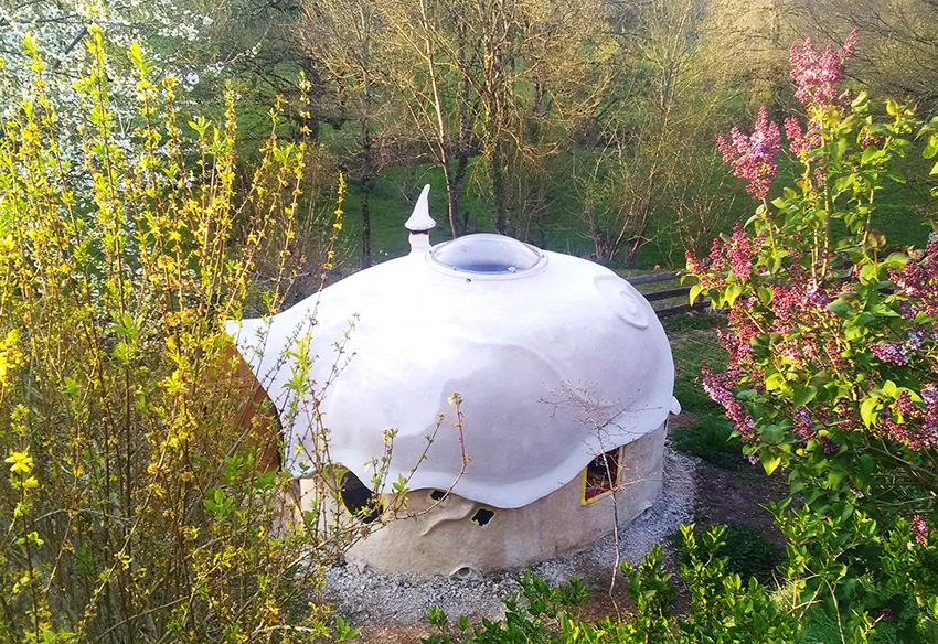Kerter avec un skydôme pour fenêtre du toit yourte